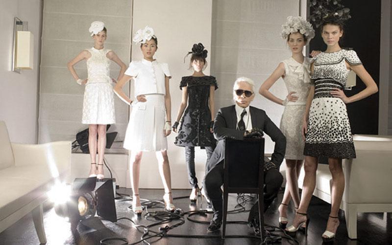 Ông hoàng đầu bạc Karl Lagerfeld